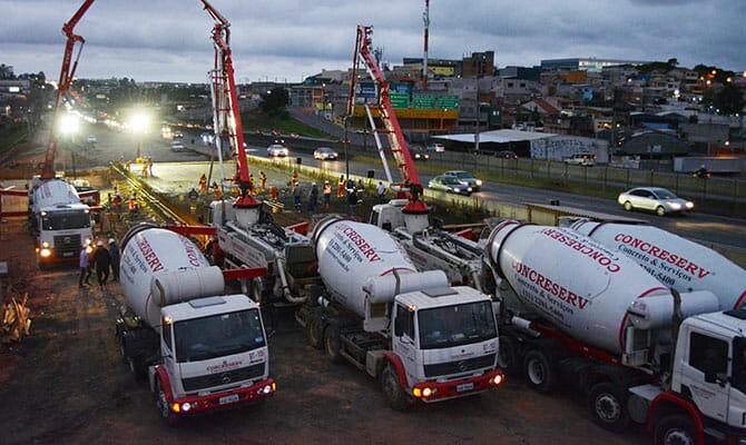 Concreto para a duplicação da rodovia Nova Dutra